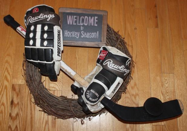 Hockey Wreath Cindy Roy