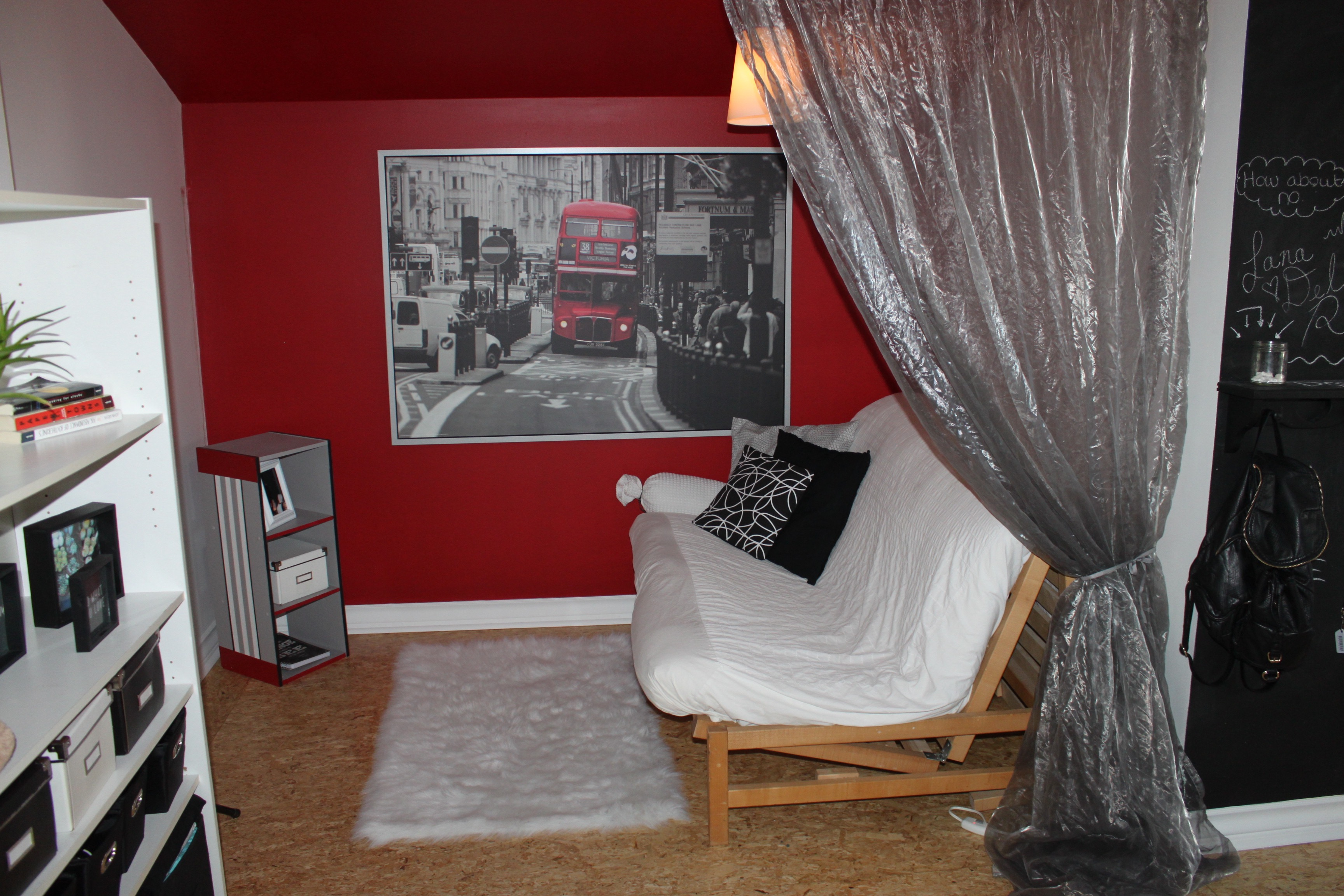 Teen bedroom makeover city theme cindy roy for City themed bedroom designs